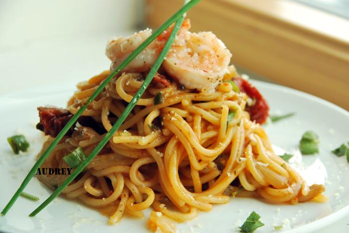 Aglio Olio Pasta Senza Aglio (Garlic Oil Pasta Without Garlic Please!)